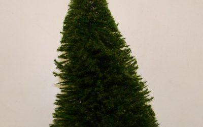 Fenyőfa  szóróanyaggal dúsítva és tépázva (22cm)